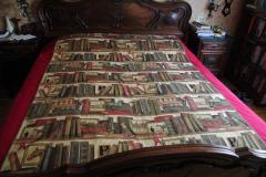 camera da letto - copriletto con libri